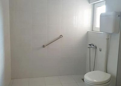 Dom za stare suncev breg - kupatilo2